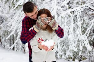 25 Romantic Date Ideas For The Holiday Season